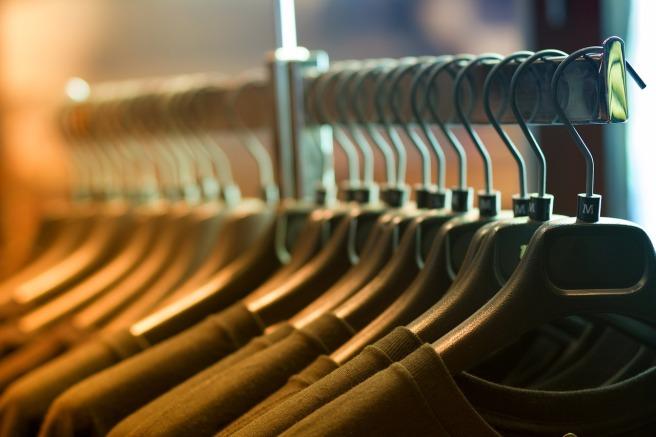 clothes-1834650_1280