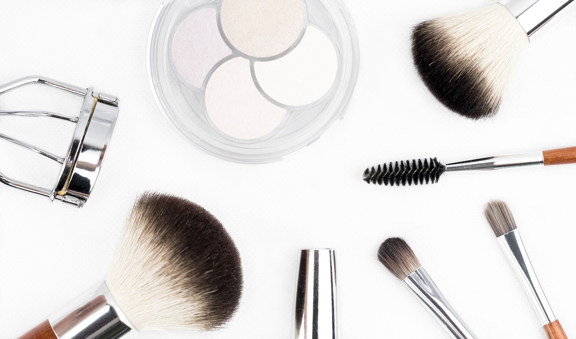makeup-brush-1768790_1920